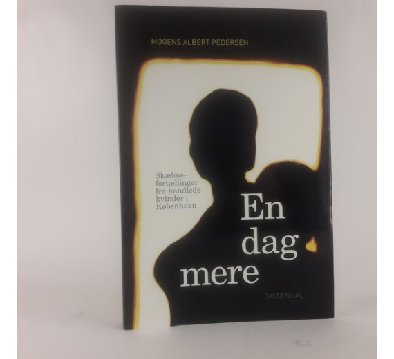 En dag mere af Mogens Albert Pedersen.