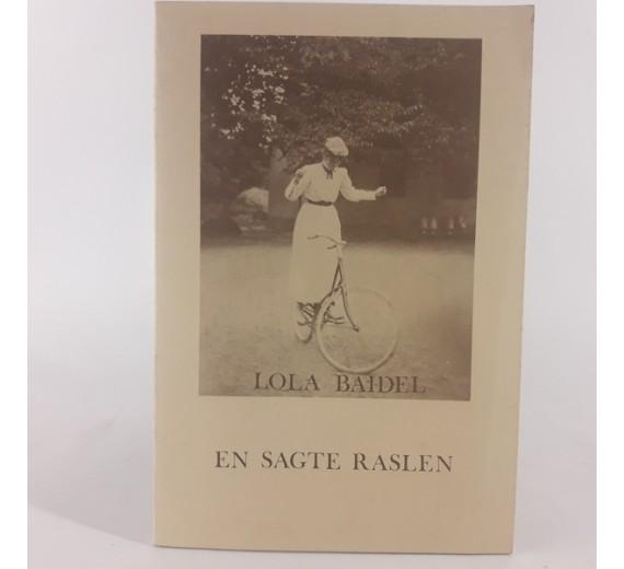 En sagte raslen af Lola Baidel