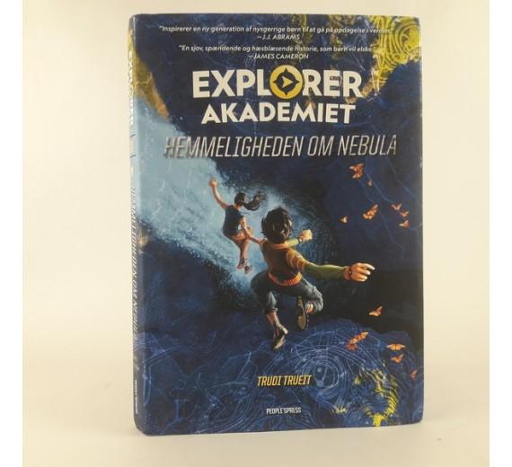 Explorer Akademiet: Hemmeligheden om Nebula af Trudi Trueit