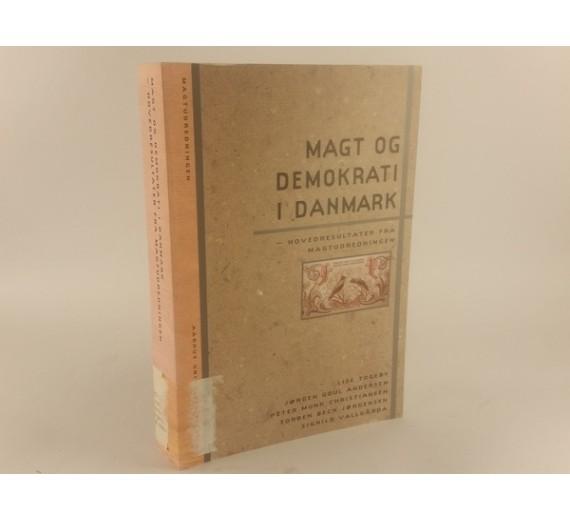 Magt og demokrati i Danmark af Lise Togeby.