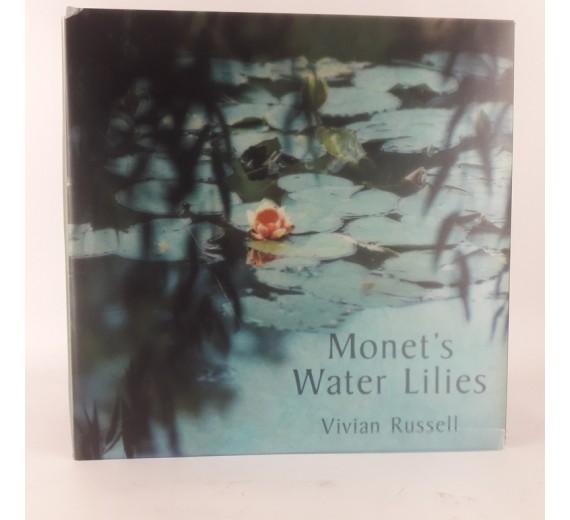 Monet´s water lilies af Vivian Russell