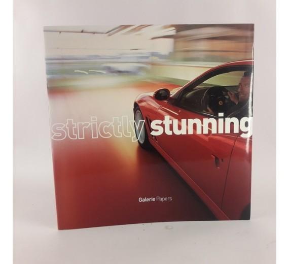 Strictly stunning udgivet af M-Real Corporation